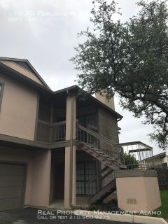 Large 2 Bedroom Condo With Detached Garage In Gated Community!