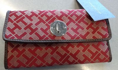 BRAND NEW Red Tommy Hilfiger Wallet W/ TH Logo, Zippered Coin Section & Snap Closure
