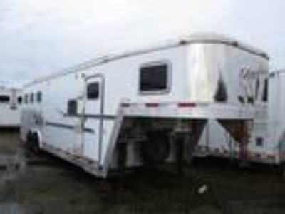 2005 Exiss 8' Living Quarters Three Horse 3 horses