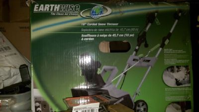 Earthwise SN71018 18-Inch 13.5-Amp Snow Blower