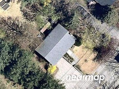 Preforeclosure Property in Falmouth, ME 04105 - Middle Rd