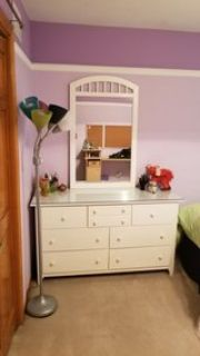 Stanley Furniture - 7 Drw Chest Dresser w/Detachable Mirror