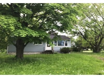 3 Bed 1.0 Bath Preforeclosure Property in Syracuse, NY 13205 - Lindbergh Rd