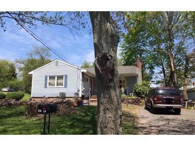 3 Bed 1.5 Bath Preforeclosure Property in New Haven, CT 06513 - Russo Ave