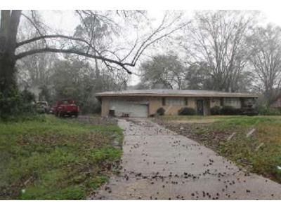 5 Bed 3.5 Bath Foreclosure Property in Jackson, MS 39206 - Meadowlane Dr