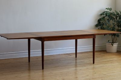 Mid Century Danish Modern Extending Dining Table