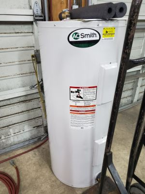 50 Gallon Water Heater- works