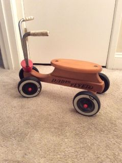 RADIO FLYER WOOD SCOOTER