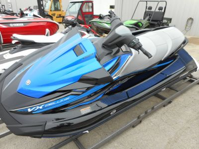 2018 Yamaha VX Deluxe 3 Person Watercraft Belvidere, IL