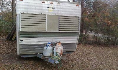 1975pull behind camper