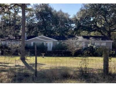 4 Bed 2 Bath Foreclosure Property in Melrose, FL 32666 - Country Living Cir