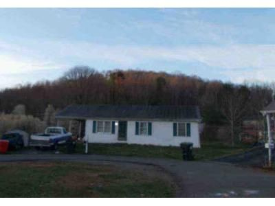3 Bed 1 Bath Foreclosure Property in Johnson City, TN 37601 - Mountain View Cir