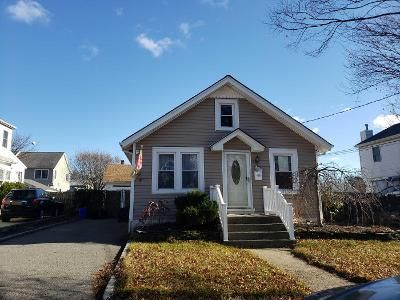 2 Bed 1 Bath Preforeclosure Property in Freeport, NY 11520 - Park Ave
