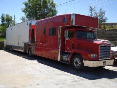 United Specialties 2006 Toterhome with 2005 Renegade Trailer