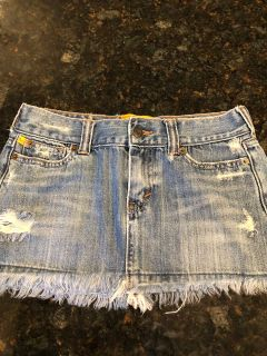 Hollister Jean skirt size 00. Excellent condition. SF. $2