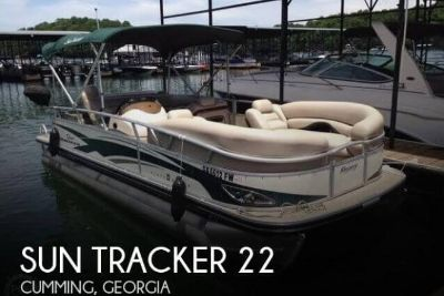 2010 Sun Tracker Regency 22 Party Barge