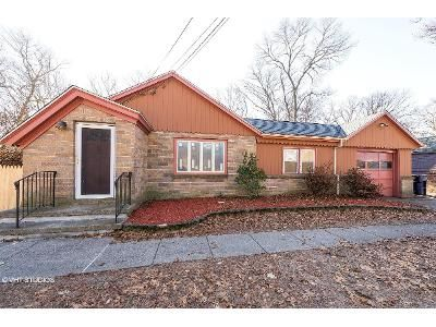 2 Bed 1 Bath Foreclosure Property in North Kingstown, RI 02852 - Austin Rd
