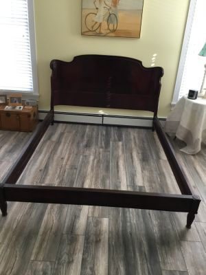 Mahogany Assoc. Inc Antique Mahogany QueenBedFrame