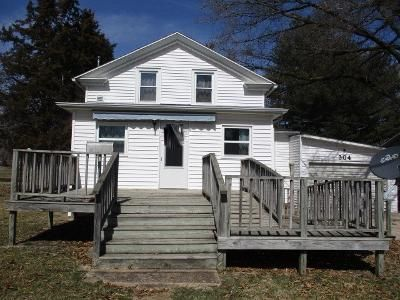2 Bed 1 Bath Foreclosure Property in Avon, IL 61415 - E Clinton