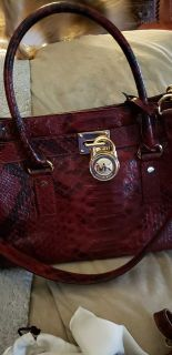 Michael Kors NEW WITH TAGS AND STORAGE BAG