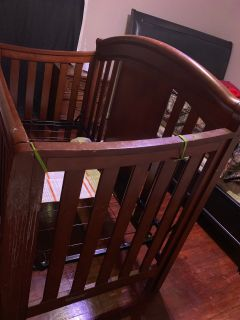 Baby crib without mattress