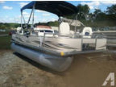 2007 Sunchaser 8520 20ft Pontoon Boat w/ 50hp Mercury -