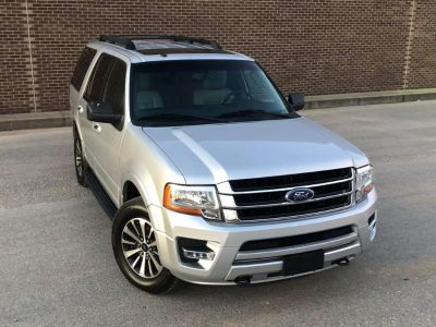 2015 Ford Expedition XLT (Silver)