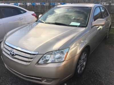 2006 Toyota Avalon XL (Gold)