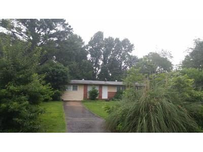 4 Bed 2 Bath Foreclosure Property in Athens, GA 30605 - E Meadow Dr