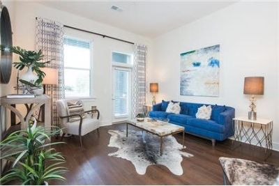 2 bedrooms Apartment - Your Luxe features a spacious floor plan with modern design. Pet OK!