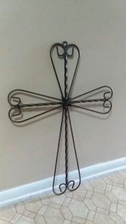 LARGE/WROUGHT IRON/CROSS WALL DECOR......EXCELLENT CONDITION