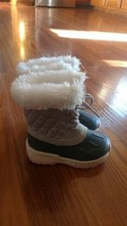 Toddler size 7 boots - Oswego, Il
