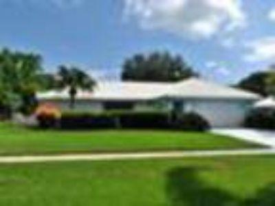 2441 SE Gowin Dr, Port Saint Lucie, FL