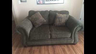 Couch/sofa/ love seat