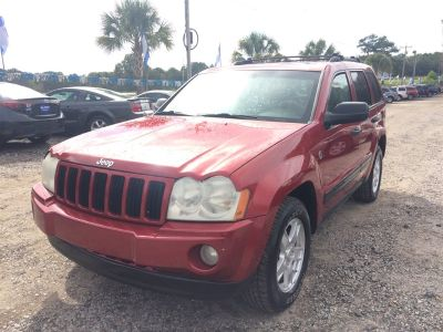 2005 Jeep Grand Cherokee Laredo (Red)