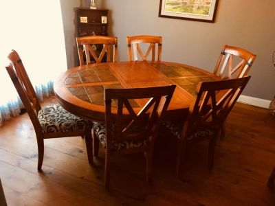 Dinning room table, chairs (6) and hutch