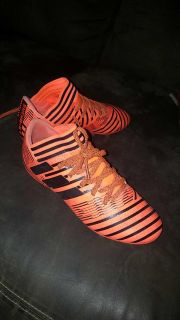 Boys size 3 Messi soccer cleats