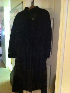 $800 Ladies Mink Coat
