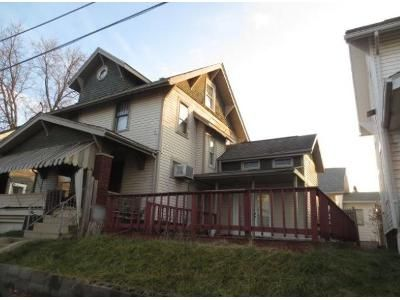 4 Bed 1 Bath Foreclosure Property in Canton, OH 44710 - Roslyn Ave SW