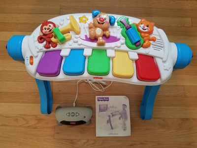 Fisher-price Stand & Dance Piano with TV connect mode