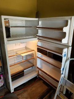 Frigidaire 20.6 cubic foot refrigerator