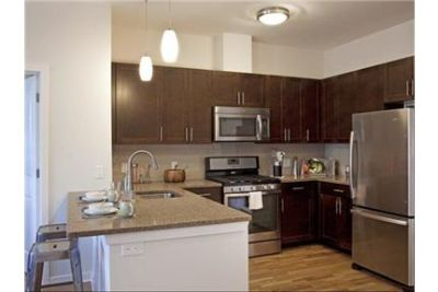 1 bedroom Condo - Twenty50 by Windsor is a boutique-style community in scenic Fort Lee, NJ. Pet OK!