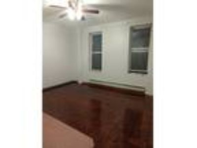 Renovated town home rental - large kitchen - backyard