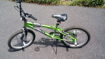 "20"" Kent Chaos Boys' Freestyle Bike"