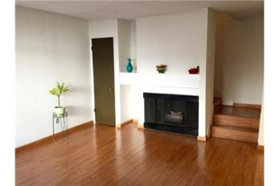 Beautiful 2-story 3br/3ba Townhome in Cerritos