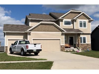 4 Bed 3 Bath Preforeclosure Property in Waukee, IA 50263 - NE Wilden Dr