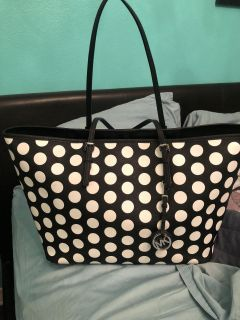 Micheal Kors polka dot tote. Awesome condition.
