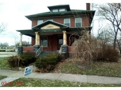 4 Bed 1 Bath Foreclosure Property in Centralia, IL 62801 - N Walnut St