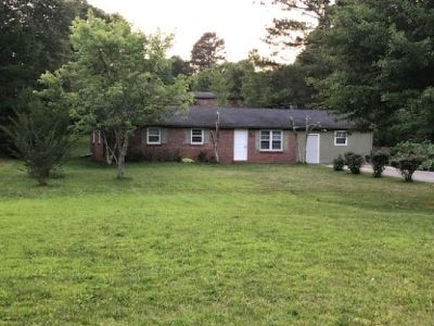 3 BR 2 half bath SIngle family home in East cobb Marietta