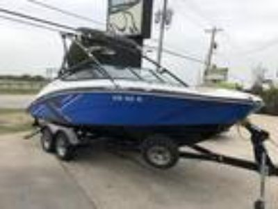 2014 Yamaha Boats 212X WITH PAINTED TRAILER